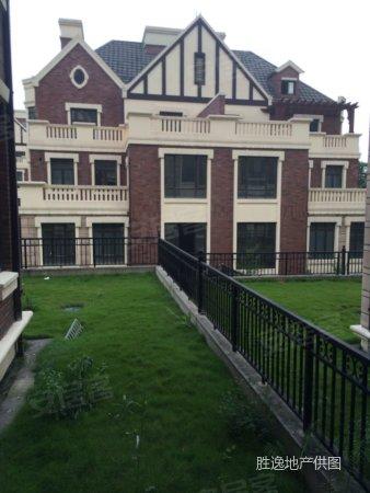 保利西海岸别墅英伦堡 豪装5房 共4层 实用超500平米