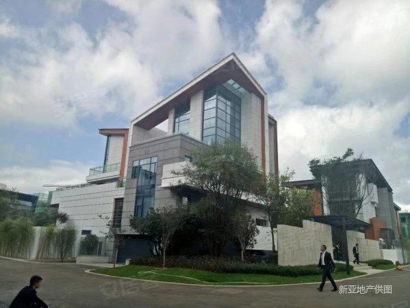 滇池度假区招商海公馆独栋别墅 400平米花园带车位