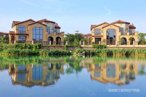 西海岸cbd大独栋别墅现房 豪华装修超大花园面积 带泳池等你