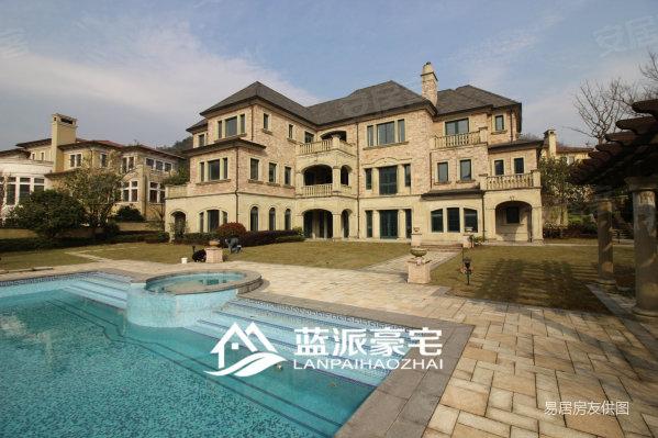 鸣翠苑,法式大宅,一线沿湖景观独墅,2500方花园,带泳池图片